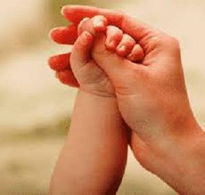 main d'enfant